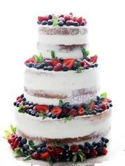 Свадебный торт Naked cake ( с клубникой)