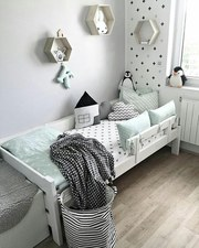 Детские кроватки с радио няней из эко-материалов